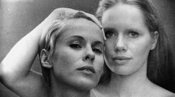 Bibi Andersson (Alma) et Liv Ulmann (Elisabet Vogler)