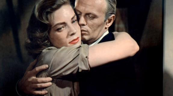 Lauren Bacall (Meg Rinehart, une thérapeute) et Richard Widmark (Doc Stewart McIver, le directeur)